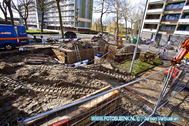 warmteleiding werkzaamheden in volle gang van de Leeuwstraat naar de Blaauwweg in Dordrecht.