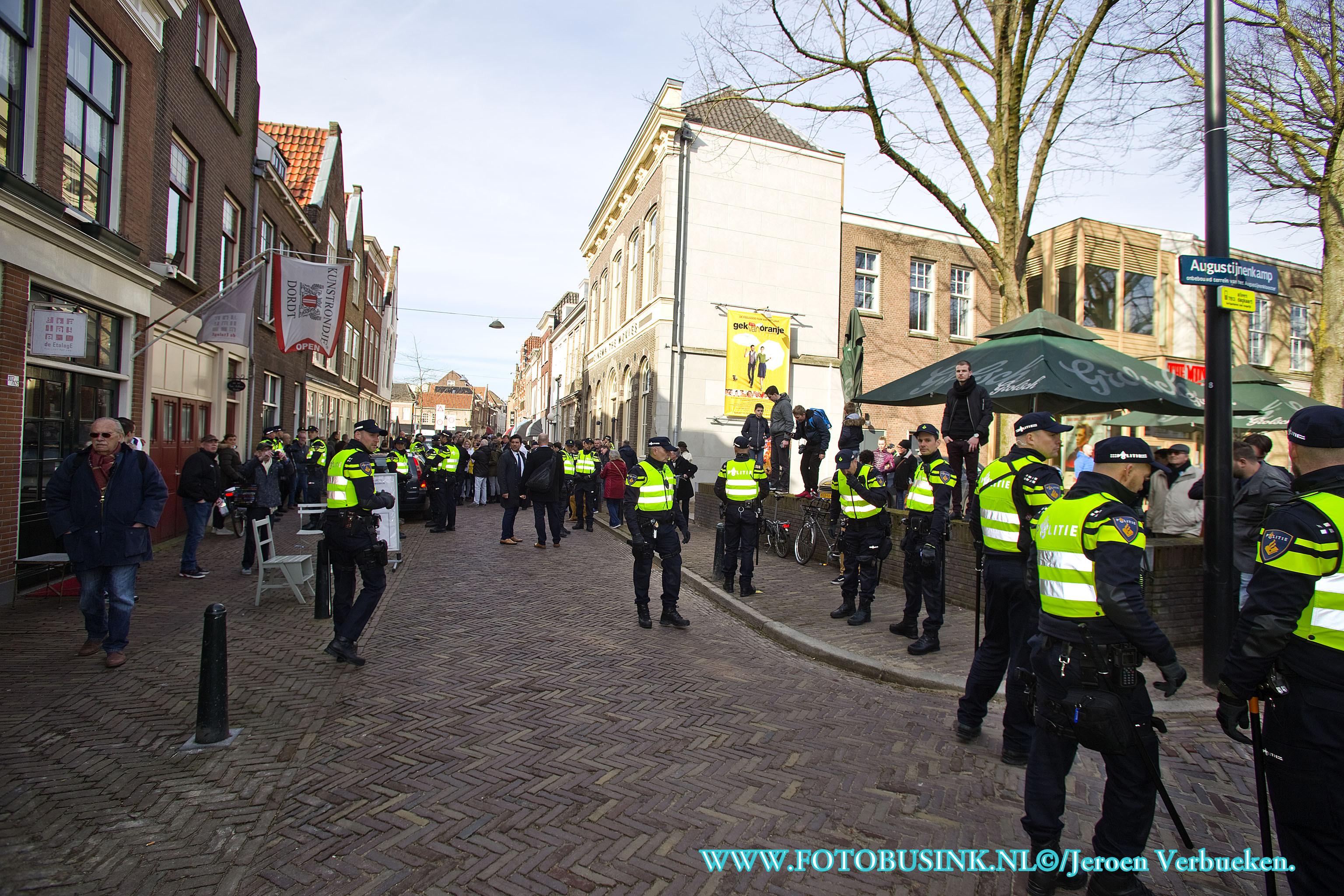 Geert Wilders op bezoek in de Binnenstad van Dordrecht.