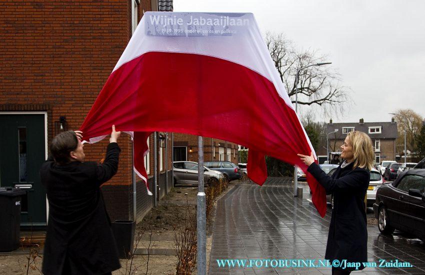 Onthulling Wijnie Jabaaijlaan in Dordrecht.