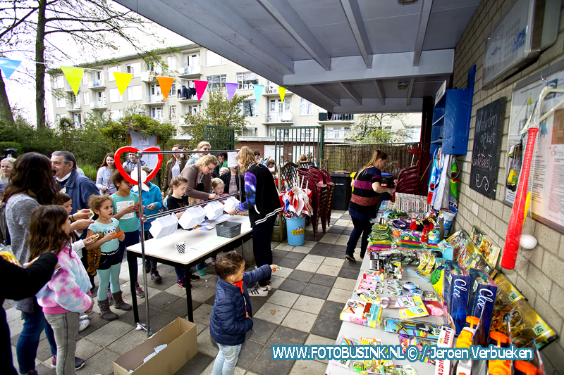 Opening en lentefeest speeltuin Oosterkwartier in Dordrecht.