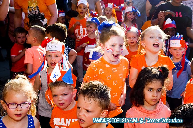 Opening koningsspelen 2018 op basisschool De Repelaer in Dordrecht. + Video