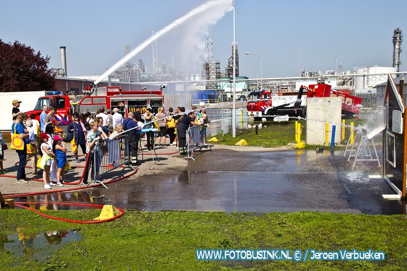 Open poortdagen bij de chemische fabriek Chemours / Dupont in Dordrecht.