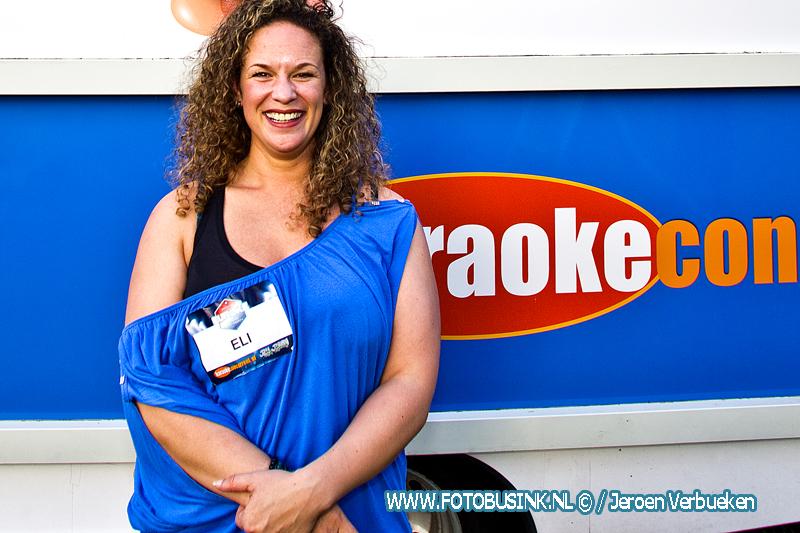 Dordtse Elisjeba Wesenhagen wint Nationale karaokewedstrijd.