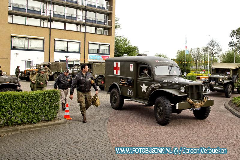 """Oude legervoertuigen """"Keep them Rolling"""" in Dubbeldam."""
