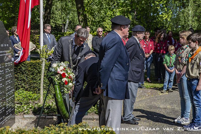 Herdenking op begraafplaats De Essenhof