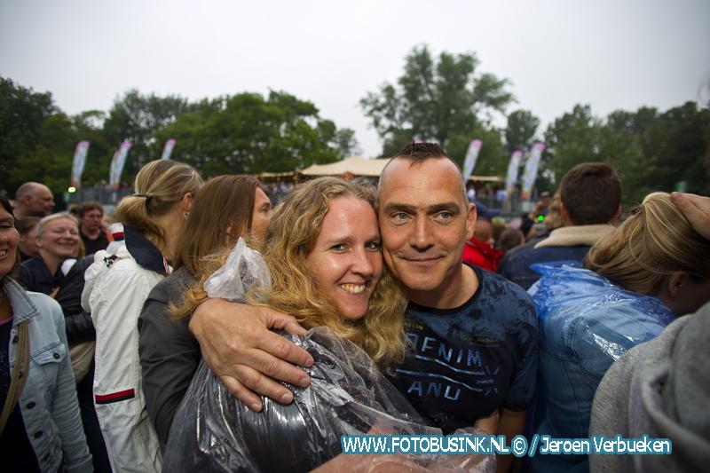 Live at Wantij in Dordrecht weer een uitverkocht succes.