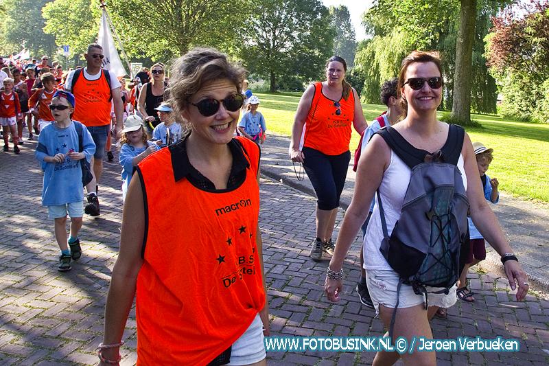 Tweede dag avond4daagse 2018 Dordrecht - Update 154 foto's -