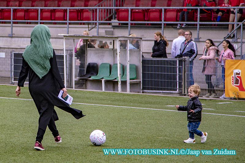 Prijsuitreiking 078 straatvoetbalkampioenschap