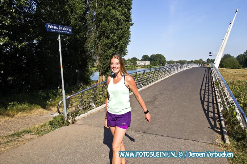 Dordtse Eva Monshouwer flink aan het oefenen voor de vierdaagse in Nijmegen
