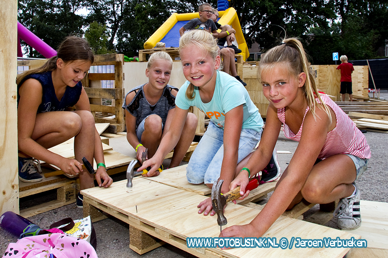 40 ste editie van het kindervakantiespektakel De Speel-in van start in Hardinxveld-Giessendam.