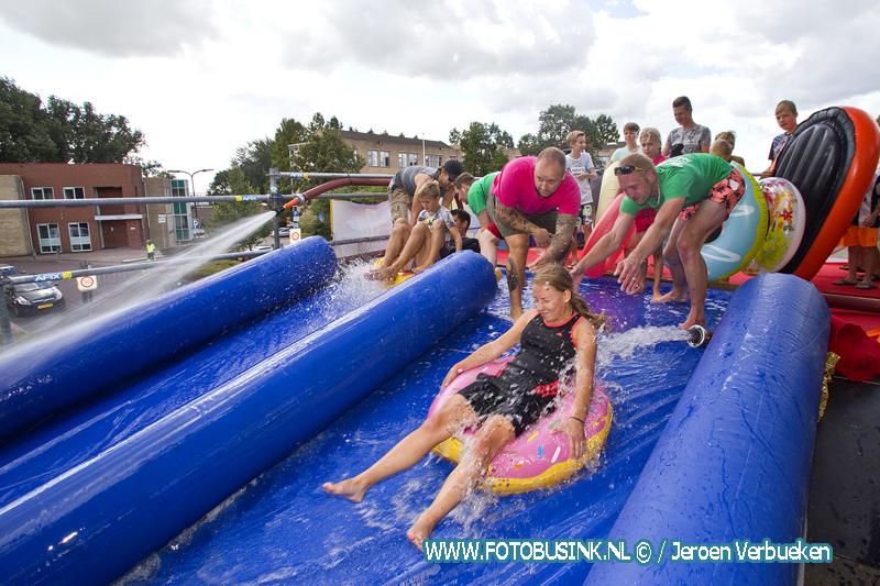 Super lange waterglijbaan in Hardinxveld-Giessendam.