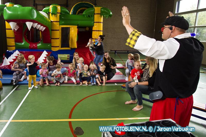Feest bij kindcentrum ONS Stekkie in Streefkerk vanwege 5 jarig bestaan.