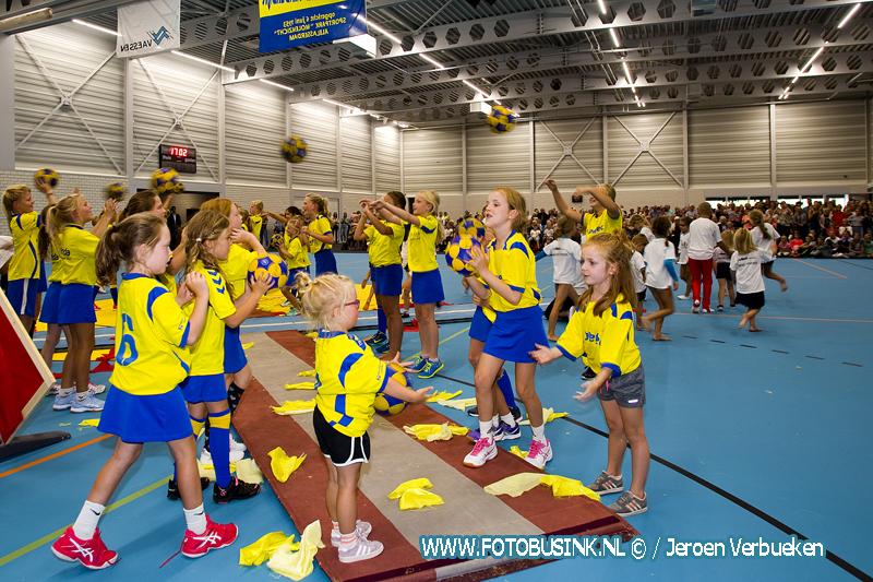 Opening van sporthal Molenzicht in Alblasserdam.