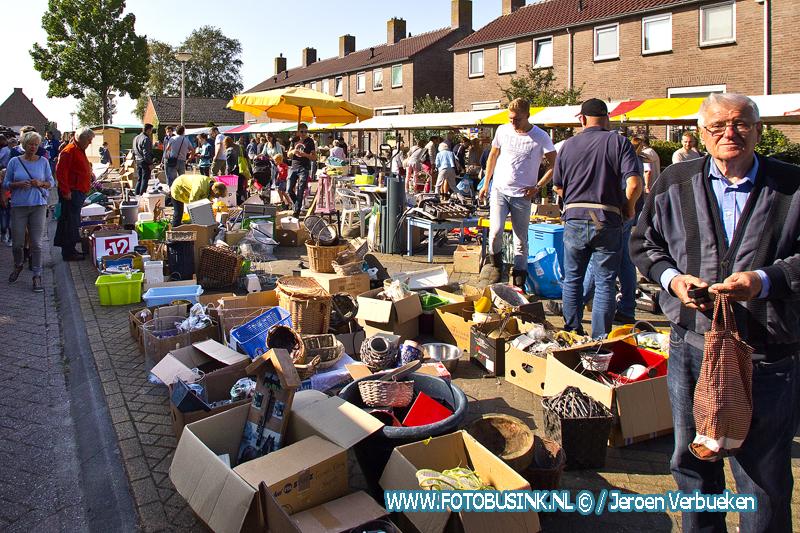 Rommelmarkt druk bezocht in Wijngaarden.