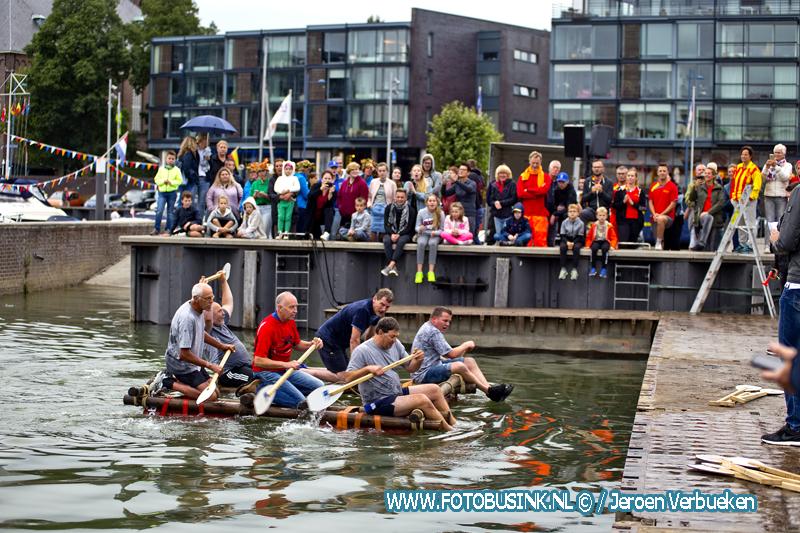 Vlottenrace in Alblasserdam.