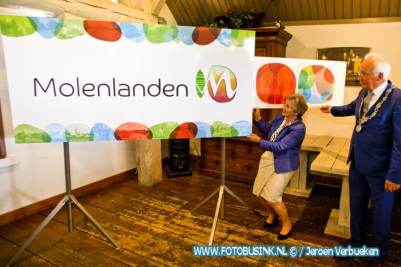 Burgemeesters onthullen logo toekomstige gemeente Molenlanden
