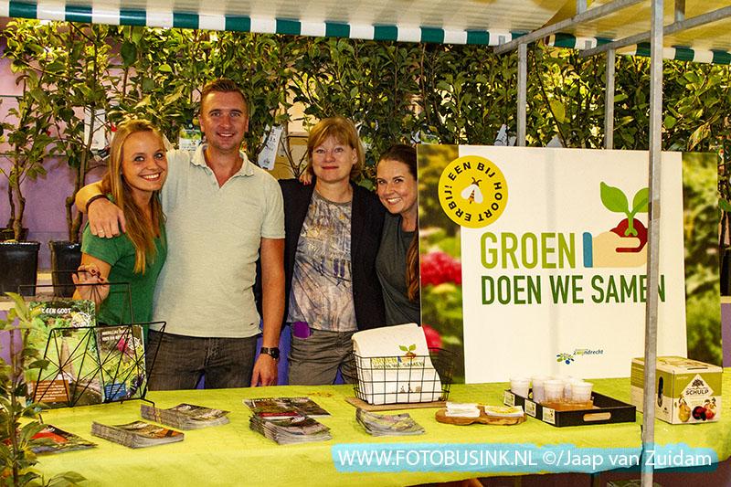 Duurzaamheidsmarkt in winkelcentrum Walburg