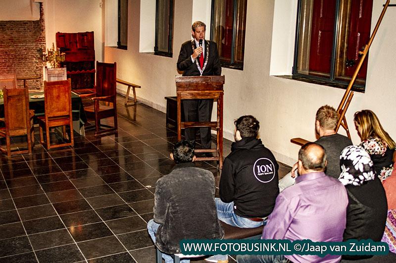 Naturalisatiebijeenkomst in Hof van Nederland