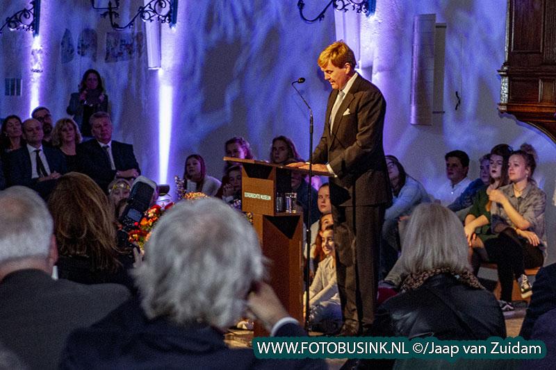 Koning Willem Alexander aanwezig bij start 'Ode aan de Synode' in Dordrecht