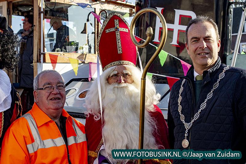 Sinterklaas komt aan in Alblasserdam
