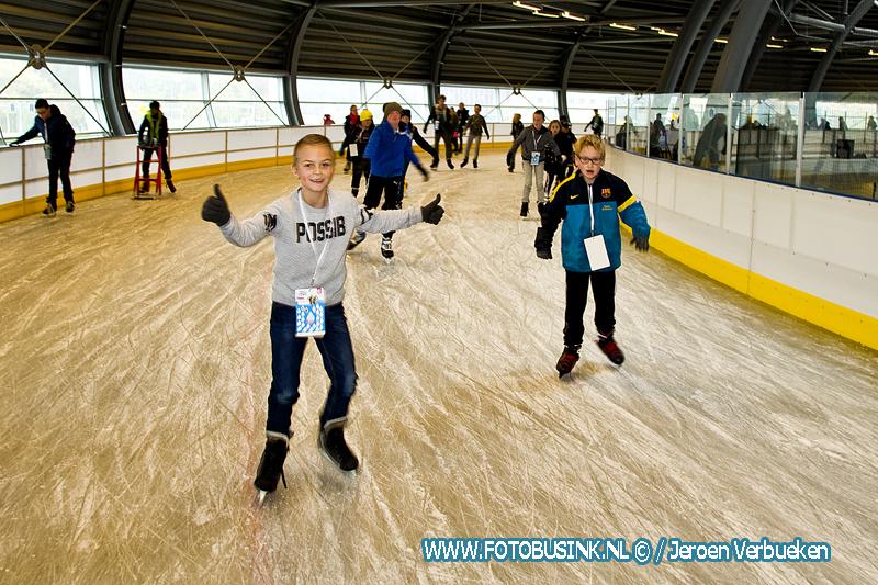 Schaatsen voor water op schaatsbaan in Dordrecht.