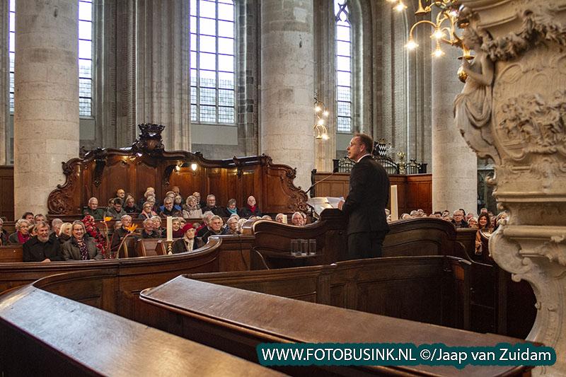 Opening expositie Henk Helmantel in Grote Kerk Dordrecht