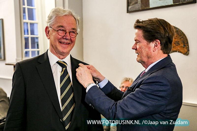 Uitreiking Johan de Witt speld aan de heer J.M. Reijnders