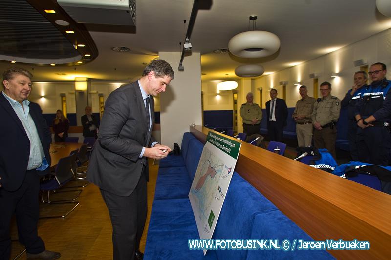 Ondertekening van samenwerking toezicht Biesbosch