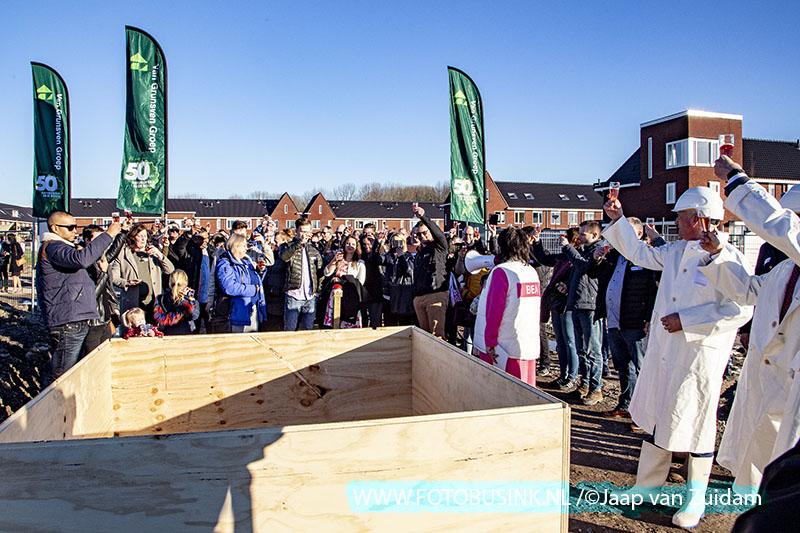 Feestelijke start bouw woningen Wilgenveld