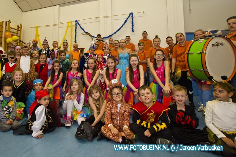 Carnavalsfeest op basisschool Pius 10 in Dordrecht.