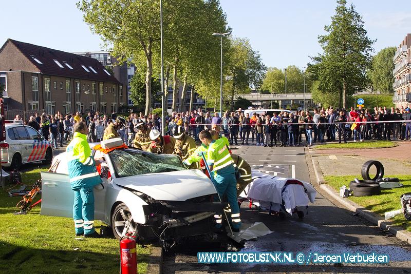 Ernstig auto ongeval aan de Stadspolderring in Dordrecht.
