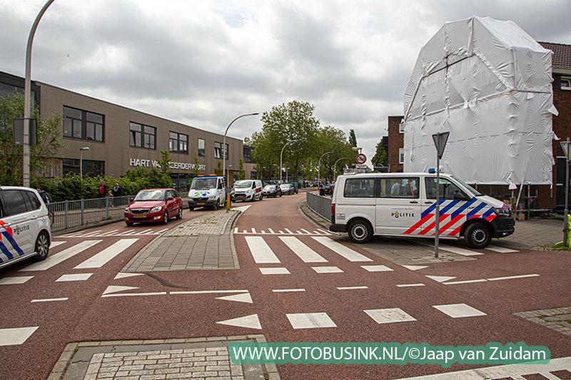 Twee agenten gewond bij achtervolging - Twee aanhoudingen na achtervolging door woonwijk