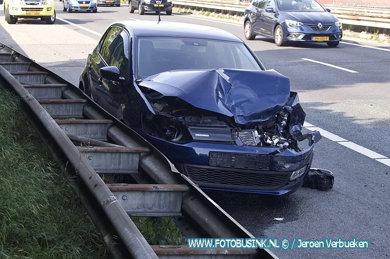 Ongeval auto taxibusje rondweg N3 Dordrecht.