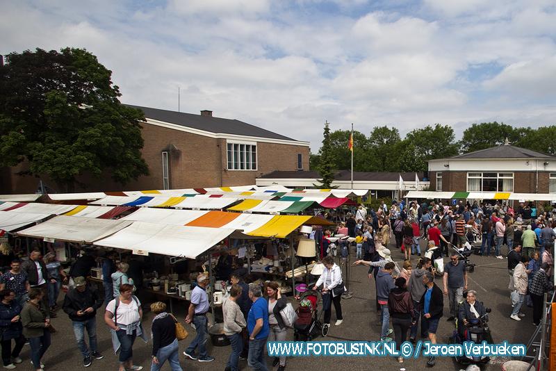 Veel bezoekers op Rommeldam in Dordrecht.