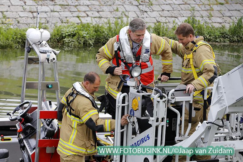 Burgemeester Kolff opent nieuwe brandweerkazerne