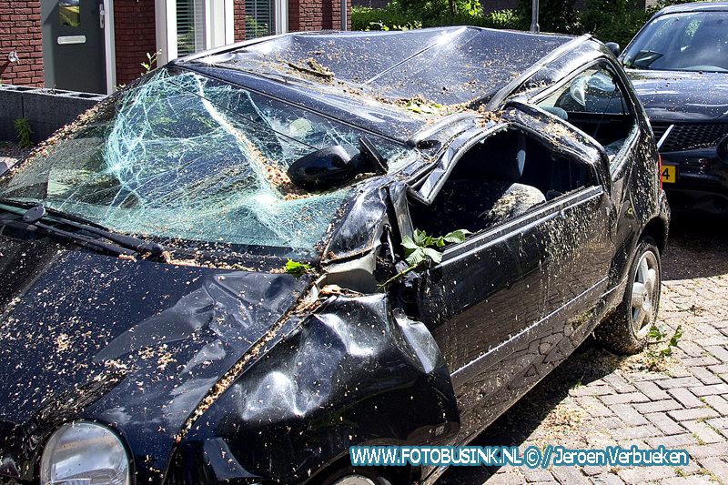 Tien minuten later wilde de eigenaar weg met de auto.