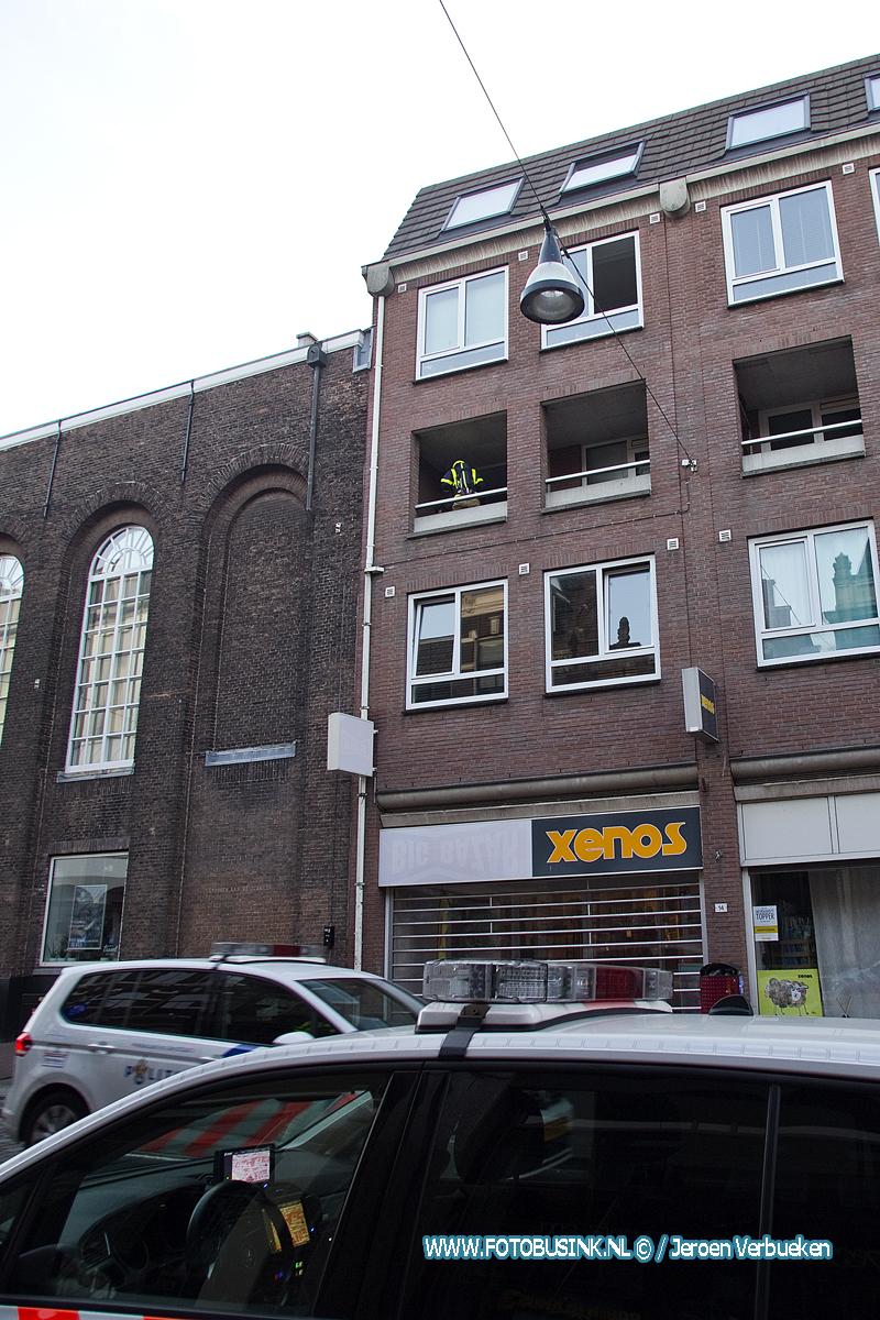 Vuurkorfje oorzaak melding middelbrand aan de Visstraat in Dordrecht.