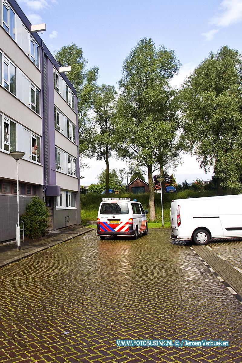 Pakketbezorger gewelddadig overvallen aan de Ruys de Beerenbrouckweg in Dordrecht.
