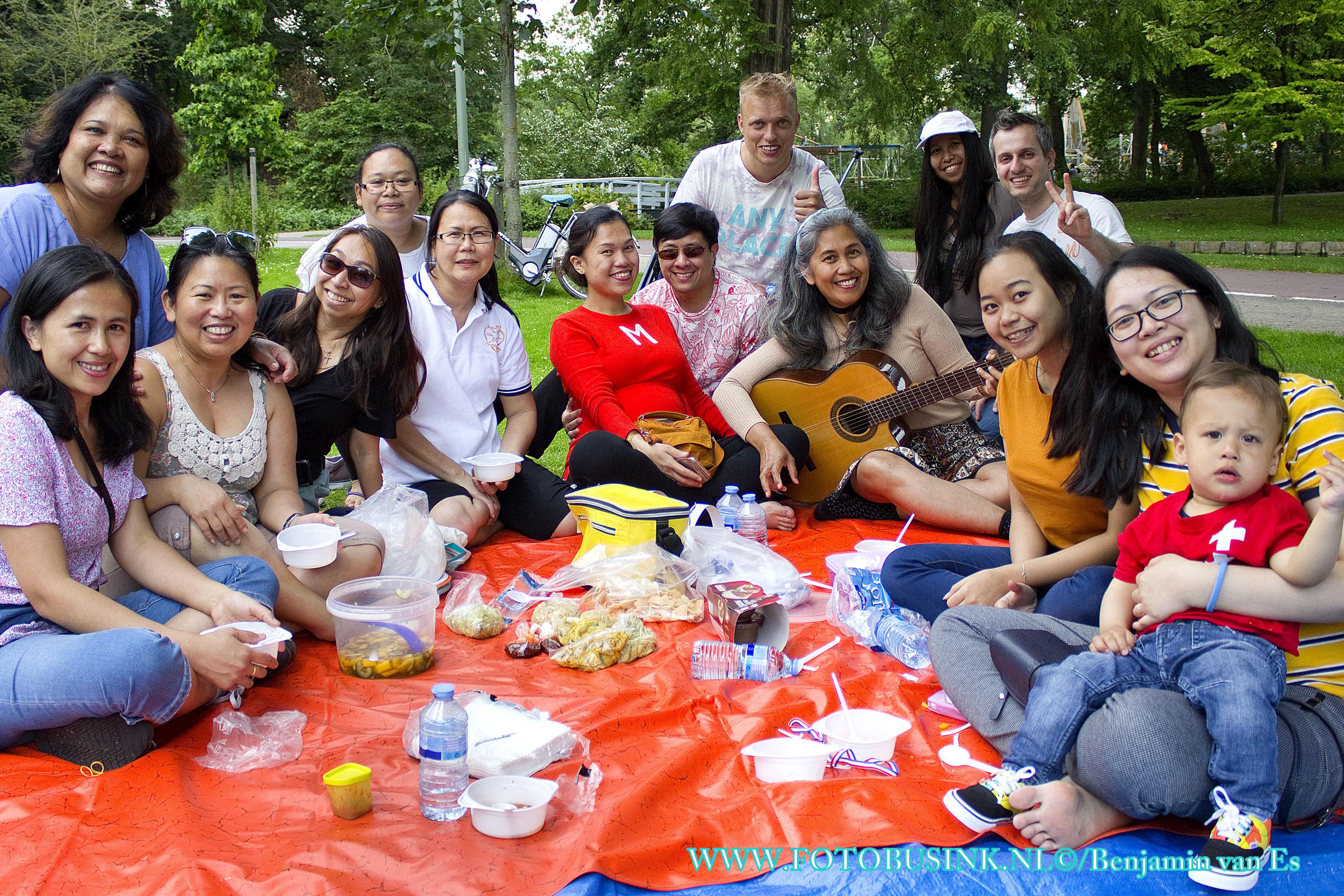 Wijkpicknick georganiseerd door Buurtwerk Dordrecht Krispijn