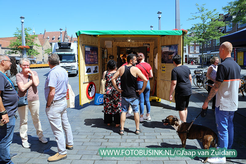 Hennepkwekerij in container op Statenplein