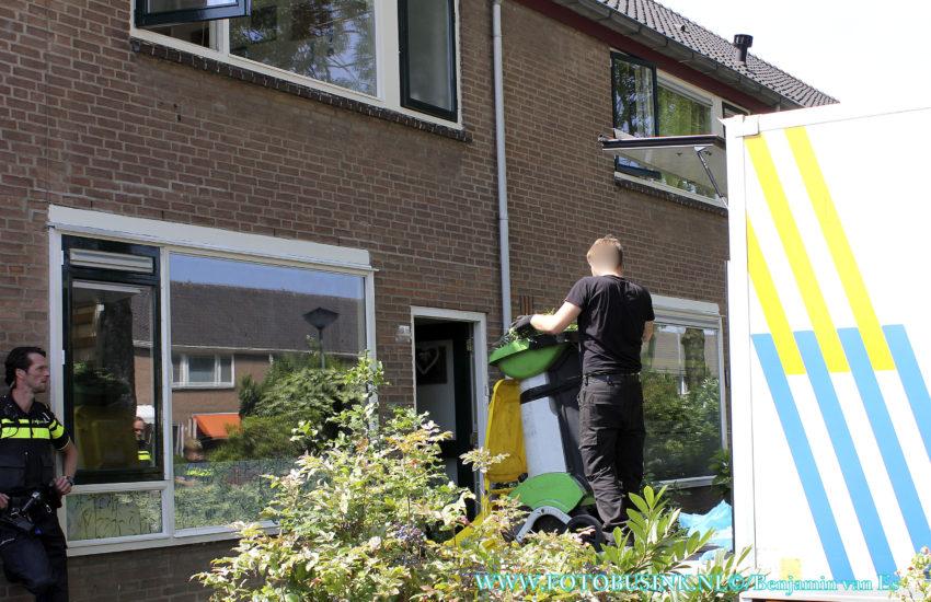 Wietplantage in woning aan de Keplerweg in Dordrecht.