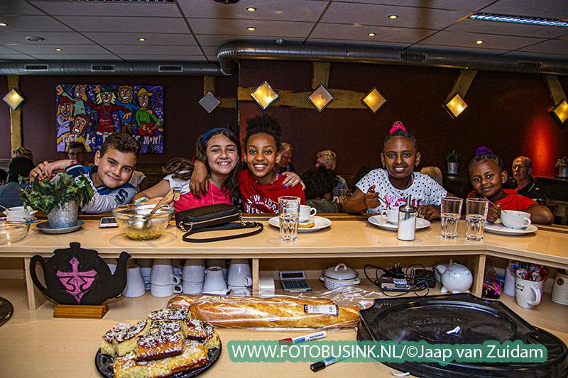 Interculturele maaltijd in Pand33 in Sliedrecht