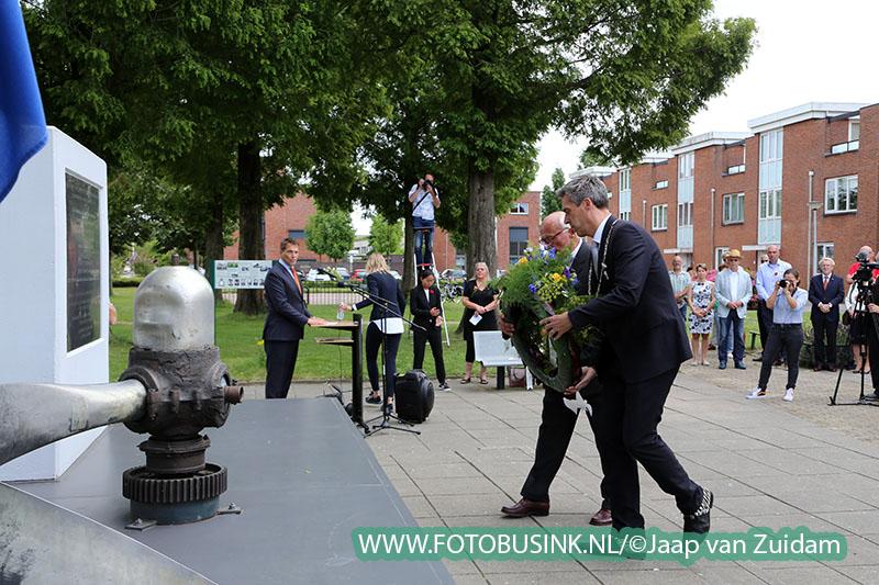 Herdenking bij Lancaster monument in Papendrecht