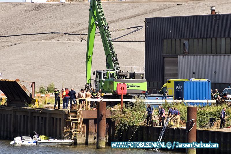Slachtoffer overleden na bootongeval in Dordrecht.