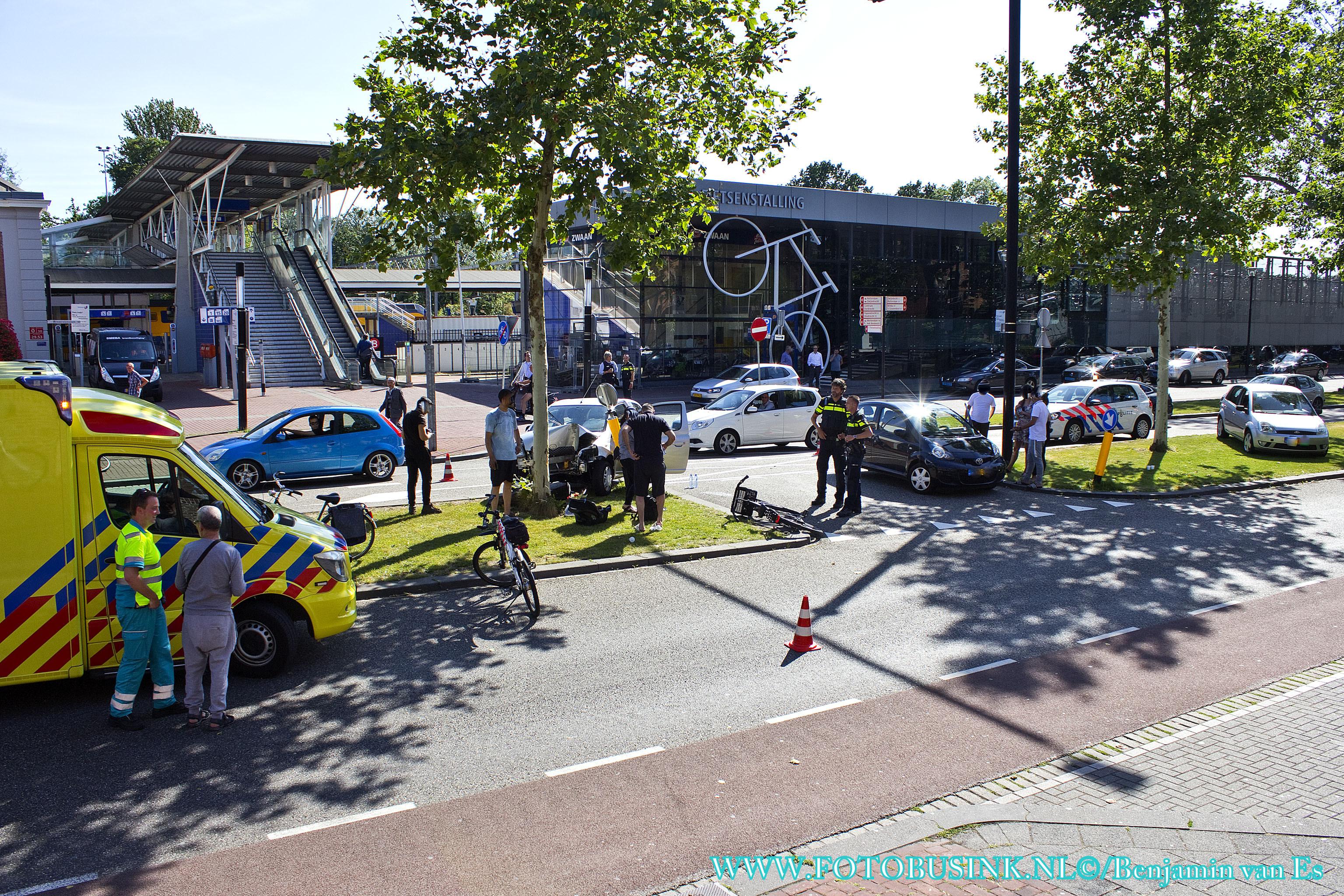 Aanrijding letsel Burgemeester de Raadtsingel in Dordrecht.
