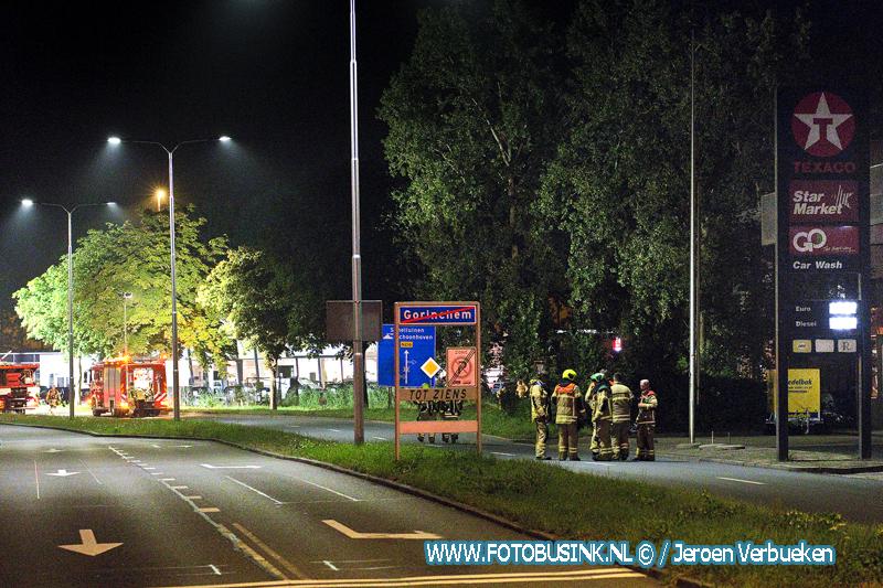 Grip 1 situatie in Gorinchem bij groot gaslek na aanrijding met vulpunt van tankstation .