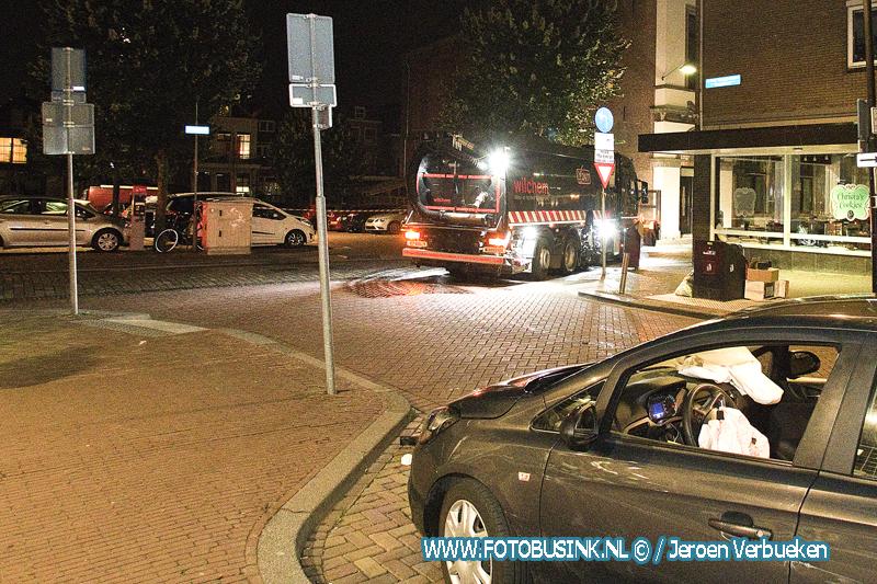 Personenauto op Poller aan de Wijnstraat in Dordrecht.