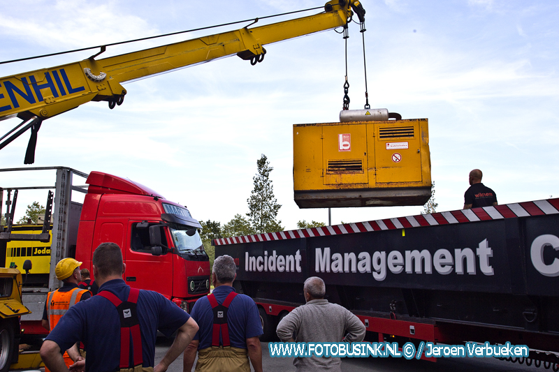 Vrachtwagen verliest honderden liters rode diesel in Drechttunnel en Rijksweg A16.
