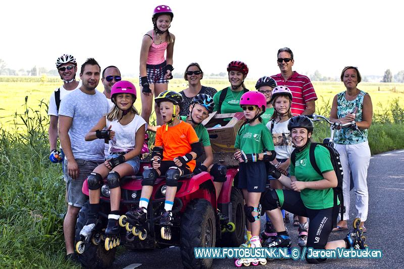 """Skeelervereniging Sliedrecht en IJsclub """"Nooit Gedacht"""" houden de traditionele skeeler- en fietstocht."""