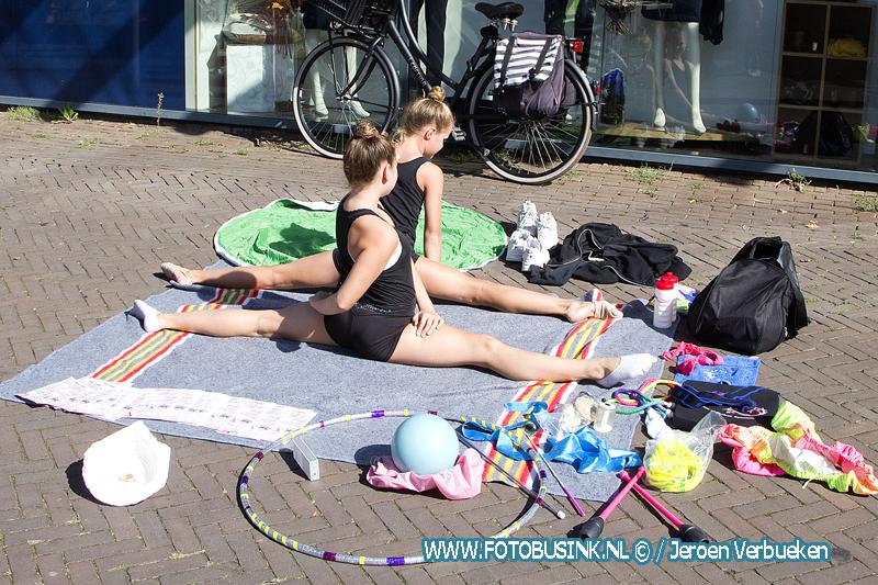 Kindermarkt in winkelcentrum Bieshof in Dordrecht.